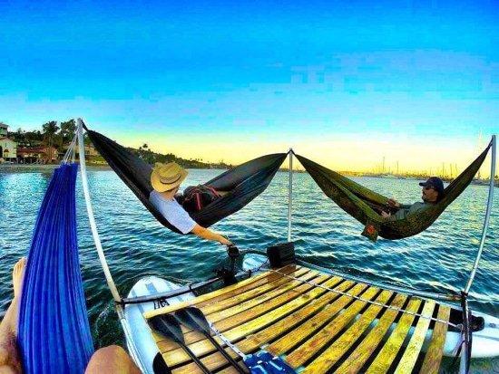 Ultiem zomergevoel in de Hammocraft, in je hangmat het water op